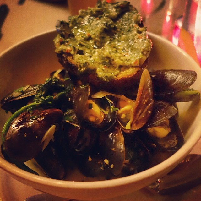 The Spotted Pig – Mussels with nettle butter toast