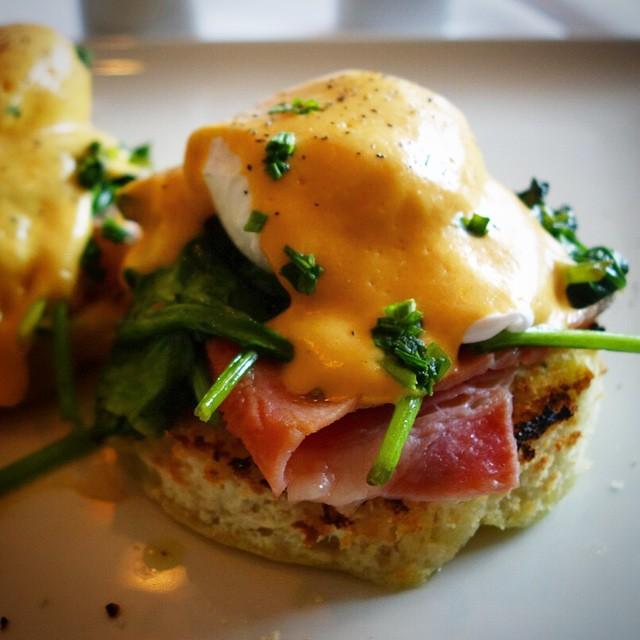 Bareli's – Secaucus NJ – Benedicto – aka eggs benedict – focaccia, seasoned spinach, poached egg and tomato hollandaise