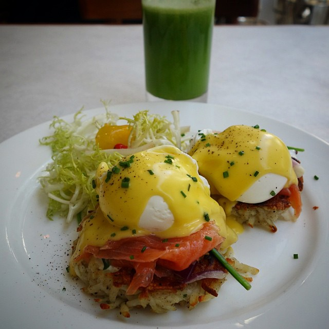 DTLA – Bottega Louie – Salmon Benedict and green juice