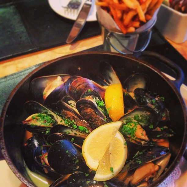 Brassiere Cognac – Midtown – NYC – Mussels Marinière