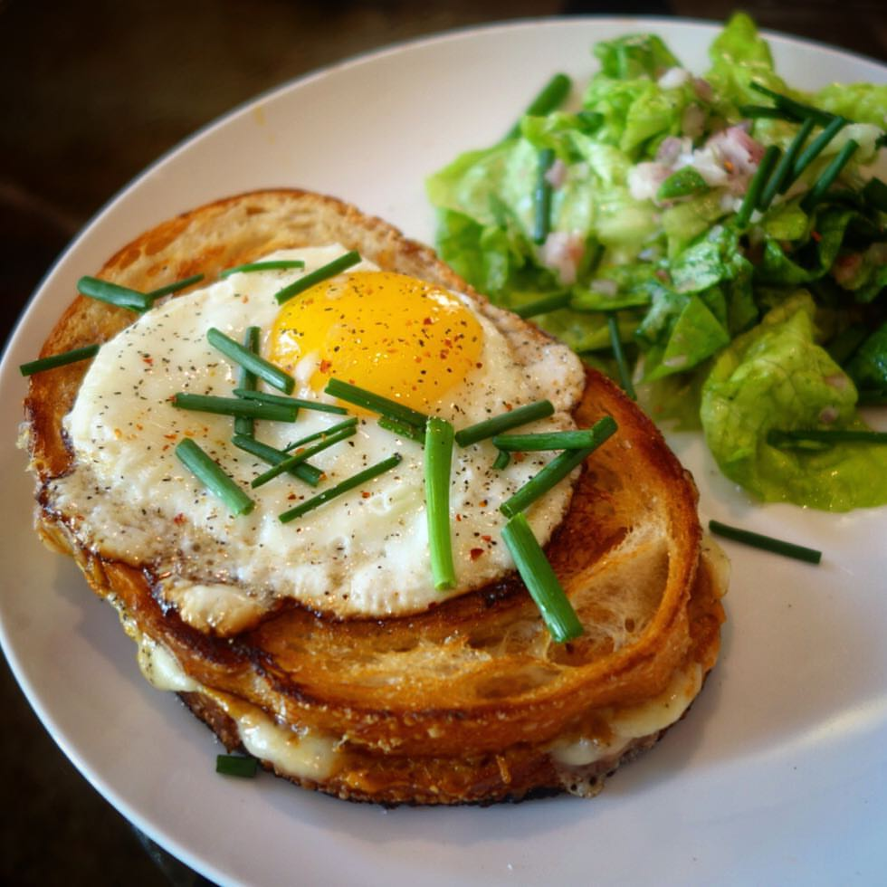 Smokey Gruyere Grilled Cheese with Fried Eggs and a Butter Lettuce Salad - Blue Apron - Made by Luis