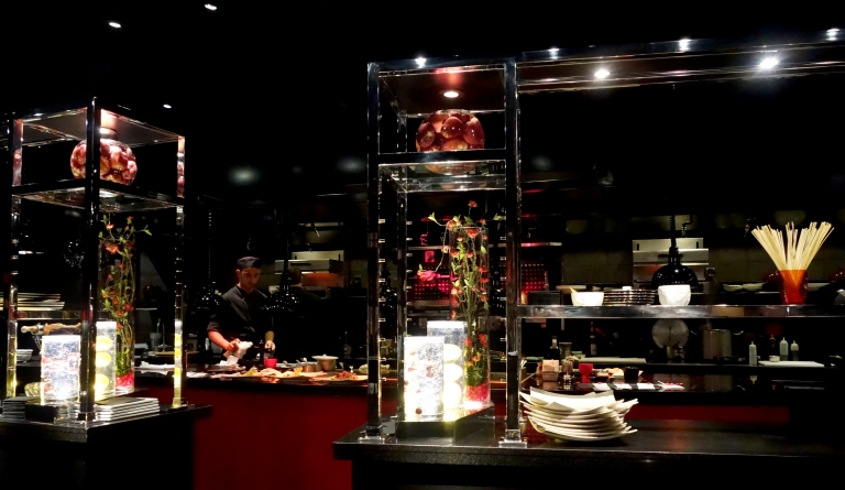 L'Atelier – by Joël Robuchon, Las Vegas – the view to the left from our seats at the bar.