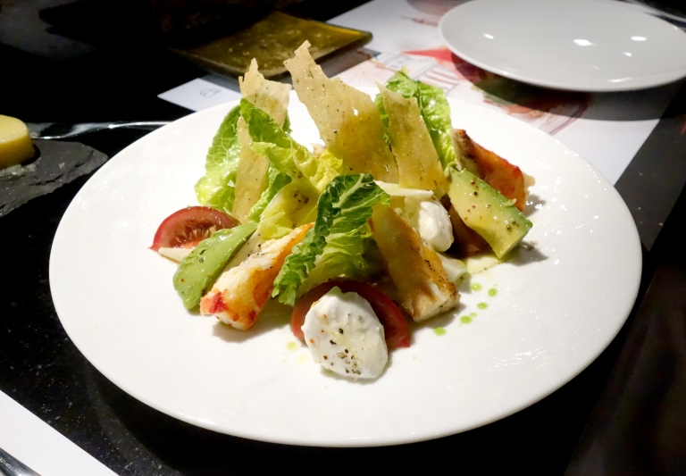 L'Atelier – by Joël Robuchon, Las Vegas – Le Crabe – King crab in a salad of greens, avocado, tomato, fresh mozzarella and parmesan crisps.