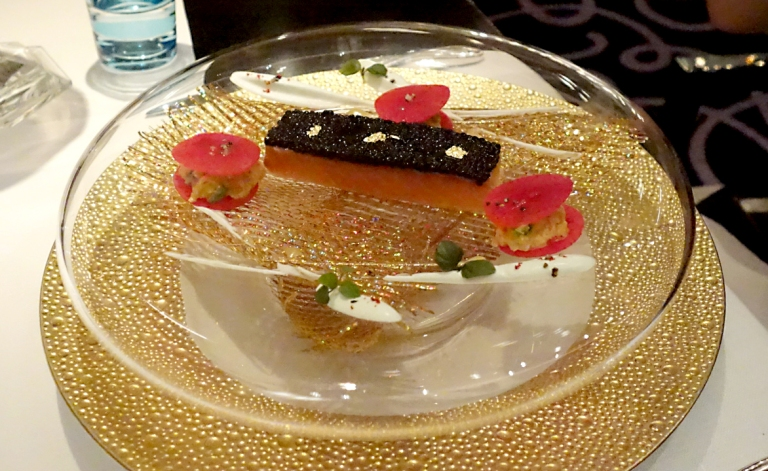 Joël Robuchon – by Joël Robuchon, Las Vegas – Caviar Imperial – Scottish salmon confit coated with Osetra caviar and a wasabi cream. This was Katherine's gorgeous app. Wish I had a better pic to disply. It was very good. It has a supplemental cost of $45.
